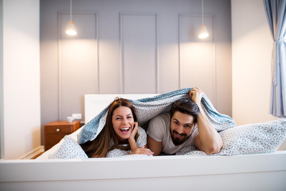 Manželia v posteli